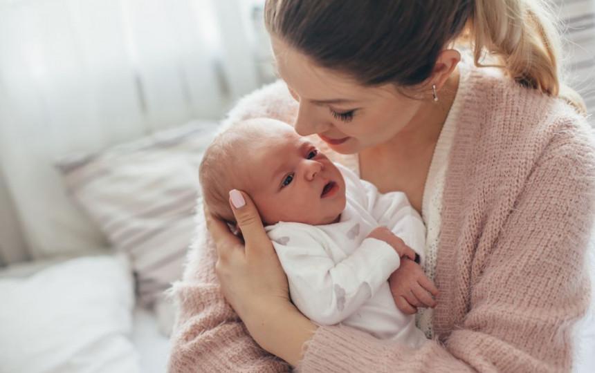 kūdikių svorio kritimo priežastys